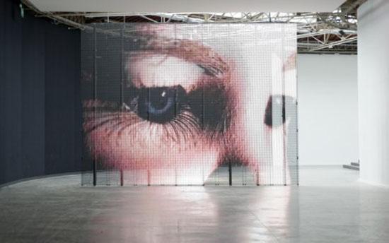 ozartsetc_philippe-parreno_anywhere-anywhere-out-of-the-world_exhibition_palais-de-tokyo_0é1-e1382724695510